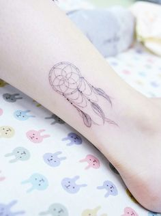 51 Cute Ankle Tattoos for Women: Ideas To Inspire - Ankle Tattoos Ideas for Women: Dreamcatcher Ankle Tattoo - Mini Tattoos, Bff Tattoos, Arrow Tattoos, Body Art Tattoos, Small Tattoos, Sleeve Tattoos, Tatoos, Quote Tattoos, Cute Ankle Tattoos