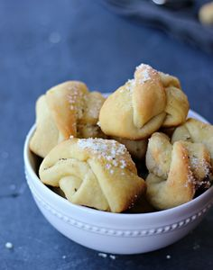 Bake'n Serve Parmesan Garlic knots, fool-proof easy recipe. They are soft, flavorful and totally addicting! gardeninthekitchen.com