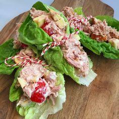 slawraps-met-tonijnsalade Lunch Wraps, Diet Plan Menu, Lettuce Wraps, Vegetable Salad, High Tea, Fresh Rolls, Crockpot, Meal Prep, Foodies