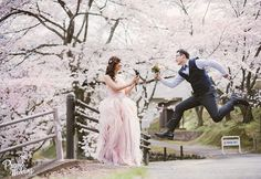 Love is all about having fun together and just being who we are! Beautiful cherry blossom wedding photo by @pongun32 ! #sakura #cherryblossom #japan #prewedding #engagement #wedding #pink #praisewedding #海外婚紗 #婚紗 #日本