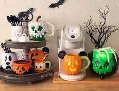 always has the best seasonal coffee bar setups! Disney Halloween Decorations, Mickey Halloween, Halloween Inspo, Halloween Mug, Halloween Home Decor, Halloween House, Halloween Themes, Halloween Countdown, Holiday Decorations