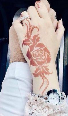 Non traditional Rose henna Henna Tatoos, Henna Tattoo Designs, Henna Mehndi, Mehendi, Henna Art, Hena Designs, Best Mehndi Designs, Mehandi Designs, Rose Henna