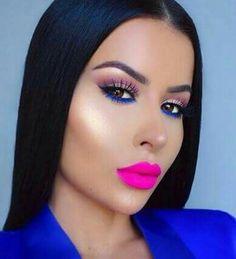 Maquillaje colorido.