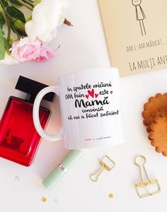 Cana cadou pentru mama Mommy Quotes, Family Presents, Love My Family, Peace On Earth, Emoji, Mugs, Anul Nou, Tableware, Gifts