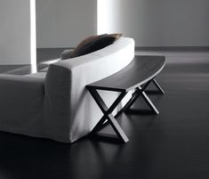 Console tables | Tables | Cruise | Meridiani | Andrea Parisio. Check it out on Architonic