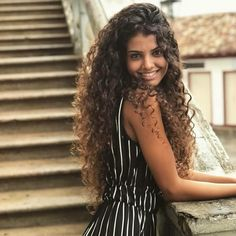Sigam @eusabrinnaoliveira & @blogbrinnacacheia #cachos #cacheada #hair
