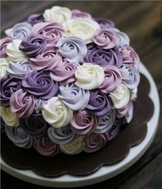 Beautiful Rossette Cake in Purple, project by Ivenoven, via bridestory. Pretty Cakes, Cute Cakes, Beautiful Cakes, Amazing Cakes, Food Cakes, Cupcake Cakes, Smash Cakes, Purple Cakes, Purple Desserts