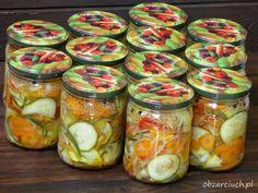 Surówka z cukinią na zimę według Babci - Obżarciuch Canning Recipes, I Foods, Preserves, Pickles, Cucumber, Mason Jars, Treats, Healthy, Diet