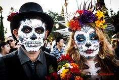 Couple at Dia de los muertos