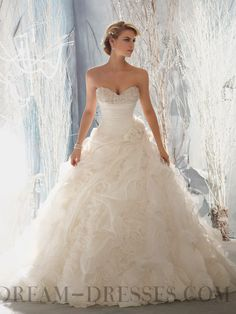 2013 Hot Ball Gown Cathedral Train Sweetheart Organza Wedding Dresses