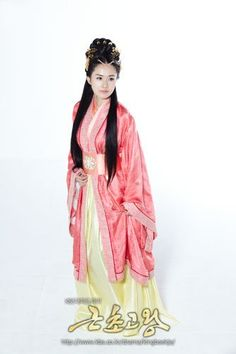 Drama Geunchogo of Baekje. Baekje dynasty Korean Traditional clothes #hanbok