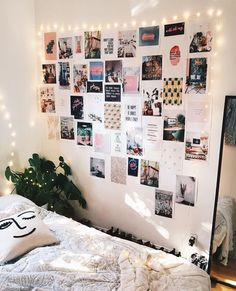 Finally finished my inspiration wall 😃✨ Uni Room, Dorm Room, Home Decor Bedroom, Diy Room Decor, Teen Bedroom, Diy Bedroom, Bedroom Ideas, Deco Studio, Tumblr Rooms
