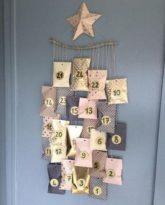 Christmas is coming! Here is an advent calendar to do it yourself. The kit includes: -paper patterns 24 bags. Gold, pink, beige color. -24 studded gold paste -Twine -sheet The paper bag are 9.5 x 19 cm. Sold without the star and the wood to hang the calendar Also available in shades