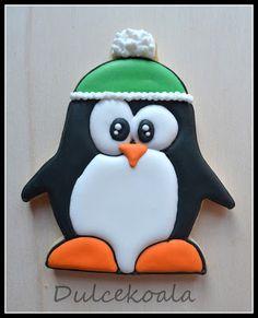 Galleta decorada con glasa pingüino friolero