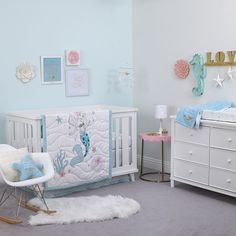 Discover more amazing under the see inspirations bedrooms for our little mermaids. Go to circu.net and see our exclusive furniture.