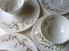 ©Gosha Nagashima - collectable hand painted porcelain. When the days are cooler I love to paint on my porcelain dishes... ❄️❄️❄️for more information please email: gosha@studiogosha.com  #studiogosha #goshaporcelain #goshanagashima #porcelain#porcelans#handpaintedporcelain #handbemalt #weddinggift  #berlininterior#berlin#interiorstyle #kunstwerk #homeaccessories#geschenkidee #bridalgifts…