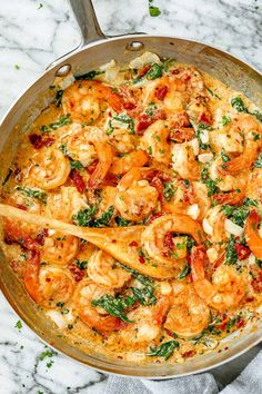 Creamy Garlic Shrimp with Spinach Creamy Garlic Spinach Shrimp - - This deliciously creamy shrimp and spinach recipe is one of the easiest skillet meals you can ever make! Shrimp And Spinach Recipes, Seafood Recipes, Chicken Recipes, Cooking Recipes, Healthy Recipes, Meals With Spinach, Shrimp And Sauteed Spinach, Shrimp Dinner Recipes, Easy Shrimp Recipes