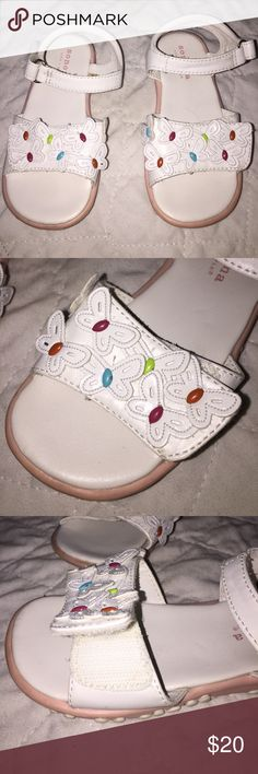 Beautiful 3-D Butterfly Sandals Size 9 Excellent Beautiful White 3-D Butterfly Sandals Size 9 Excellent Condition. Adjustable Velcro closure around ankle and across toes. Open toe with padded footbed and non-slip sole. Gorgeous design matches all. Worn 2x Sonoma Shoes Sandals & Flip Flops