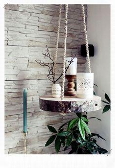 s & # Craft box: {DIY} tree slice hanging floor - Diyproje .- s & # Bastelbox: {DIY} Baumscheibe Hängeboden – Diyprojectgardens.club s & # Craft box: {DIY} tree slice hanging floor # craft box # tree slice # hang floor - Diy Casa, Diy Hanging Shelves, Hanging Table, Tree Slices, Wood Slices, Craft Box, Cute Diys, Farmhouse Decor, Modern Farmhouse