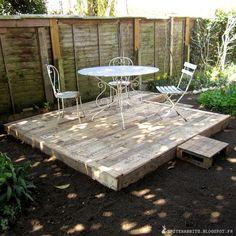 30 Most Inspiring DIY Pallet Garden Fence Ideas To Improve Your Outdoor Space - pallets - Outdoor Spaces, Outdoor Living, Outdoor Decor, Outdoor Pallet, Pallet Patio Decks, Suculentas Interior, Garden Furniture, Outdoor Furniture Sets, Furniture Stores