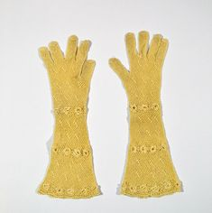 Vintage Cream Crochet Elbow Length Children/Small Adult Gloves
