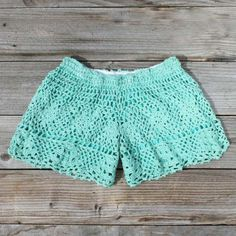 crochet shorts. so cute