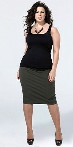 Plus size pencil skirts - not fooled by the athletic/normal  build, but it's great to see a pencil skirt of this cut on a model bigger than size 0