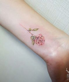 Cute, Elegant and Precious tattoo. Precioso tatuaje.  #tattoo #rose #beautiful #outfit #tatuajes❤