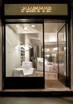 CLOVER_Design Brodie Neill, 2011. Frette Boutique, Via Montenapoleone, Milan, Italy