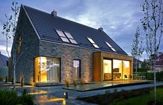 home fachadas Atrakcyjny 1 Facade Design, Exterior Design, Modern Architecture House, Architecture Design, Modern Brick House, House Designs Ireland, House Ireland, Villa, Bungalow House Design