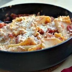 skinny skillet lasagna - this would be great on a day you want comfort food for LUNCH! quick, easy, and vegetarian.