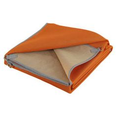 gotta get one of these...sand and dirt filter through the blanket! would be perfect for camping and for using on that future grand canyon paddling trip...