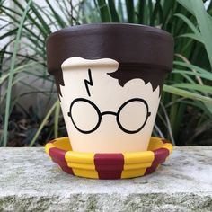 Harry Potter Flower Pot by FlourishAndPots on Etsy - .- Harry Potter Flower Pot von FlourishAndPots auf Etsy – Harry Potter Flower Pot by FlourishAndPots on Etsy – - Flower Pot Crafts, Clay Pot Crafts, Clay Pot Projects, Flower Pot Art, Small Flower Pots, Fleur Harry Potter, Deco Harry Potter, Flower Pot People, Clay Pot People