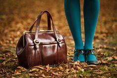 Storing Handbags 👜 & Purses 👛,some useful tips. Home Organization Hacks, Purse Organization, Organizing, Feng Shui Dicas, Store Purses, Work Purse, Handbag Storage, Black Patent Leather Shoes, Leather Purses