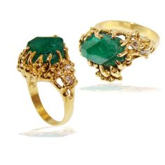 Creative gold and emerald ladies ring design by Marcial de Gomar.  #jewelry #fashion #ring #emerald