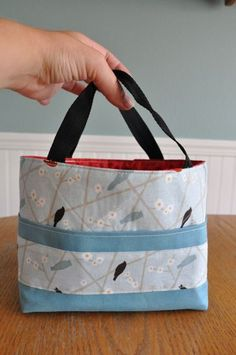 Scripture bag tutorial. Very good instructions/pictures. Very easy project. I did it in one afternoon (with 5 kids wanting my attention). If you buy 1/2 yard each of two materials you can make two bags perfectly with some left over.