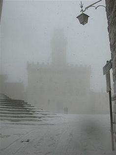 Montepulciano, Piazza Grande in a winter day by Locanda San Francesco, via Flickr    IVE BEEN THERE!