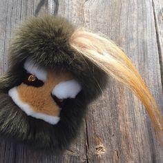 #winter #winteraccessories #accessories #accessoriesfurs #trolly #isabellac #pompom #peekaboo #fur #forbag #forkey #forkeys #fendibag #forkeychain #luxury #luxurybagcharm #chain #chains #bagbugs #bagcharm