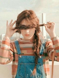 Image about girl in Cute Style by JaenStone on We Heart It Mode Ulzzang, Ulzzang Girl, Korean Girl, Asian Girl, Look Street Style, Poses References, Girl Photography Poses, Fashion Mode, Style Fashion
