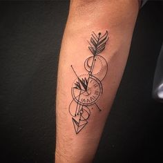 Trabalho diferente do meu estilo, mas como eu gosto de traço, achei a ideia interessante, e criei algo na linha geometrica... Uma flecha, téco de rosa dos ventos, téco relógio!!! Tattoo You Avenida Doutor Cardoso de Melo 320 Vila Olímpia-SP Tel: 11-3044 0442 Orçamentos apenas pessoalmente Clientes fora de SP enviem email: tattooyou@tattooyou.com.br #tattoo #tattooyou #inspirationtattoo #tattooistartmag