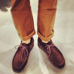 Clarks | Wallabees | Fall Instagram photo by @jmg112 Skinhead Reggae, Fashion Shoes, Mens Fashion, Clarks Originals, Desert Boots, Man Style, Shoes Style, Dressing Room, Streetwear Fashion