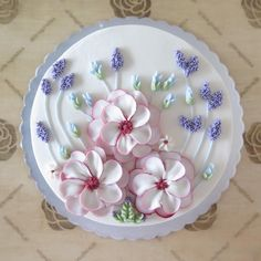 "205 Likes, 8 Comments - Flowercake Lesson Buttercream (@tengratna) on Instagram: ""Calm for nice girl #20cm"""