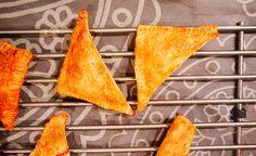 BAKE - Abrikoos-framboos-bosbesflapjes net uit de oven