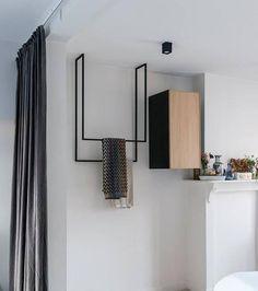 Hanging towel rail Metal [Bespoke size] Modern hangers, free space, a simple, even banal shape takes Bad Inspiration, Bathroom Inspiration, Bathroom Styling, Bathroom Interior Design, Metal Furniture, Furniture Design, Rustic Furniture, Hanging Towels, Bathroom Accessories