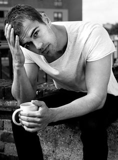 Theo James - Hot and Young new British actors to watch out for in 2014 - Theo James –December 16 1984 in Oxford, UKWhere we've seen him: Theo has done a lot TV shows in the UK, including Bedlam and Golden Boy and played David alongside Kate Beckinsale in 'Underworld: Awakening'. Where we'll see him next: This month you can catch him in the action future-dystopian novel adaptation 'Divergent', in which he stars as 'Four' with Shailene Woodley in a race against time to save their lives. ...