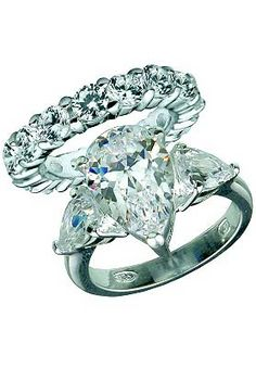 Jessica Simpson's engagement ring to Nick. Beautiful!