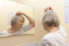 Dünnes Haar im Alter? -So hilft Basilikum bei dünner werdendem Haar und Haarausfall.