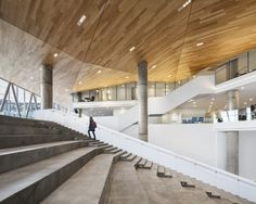 Galería de Casa de estudiantes de la ETS / Menkès Shooner Letourneaux…