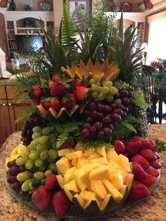 New Fruit Platter Display Centerpieces Ideas Appetizer Display, Veggie Display, Veggie Tray, Appetizer Ideas, Fruit Tables, Fruit Buffet, Fruit Trays, Food Buffet, Buffet Ideas