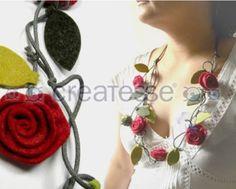 Collar fieltro rosas rojas
